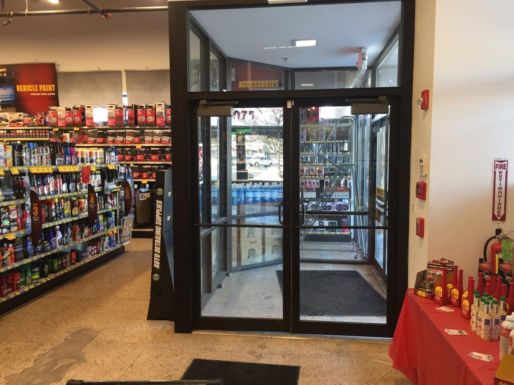 advance auto parts door