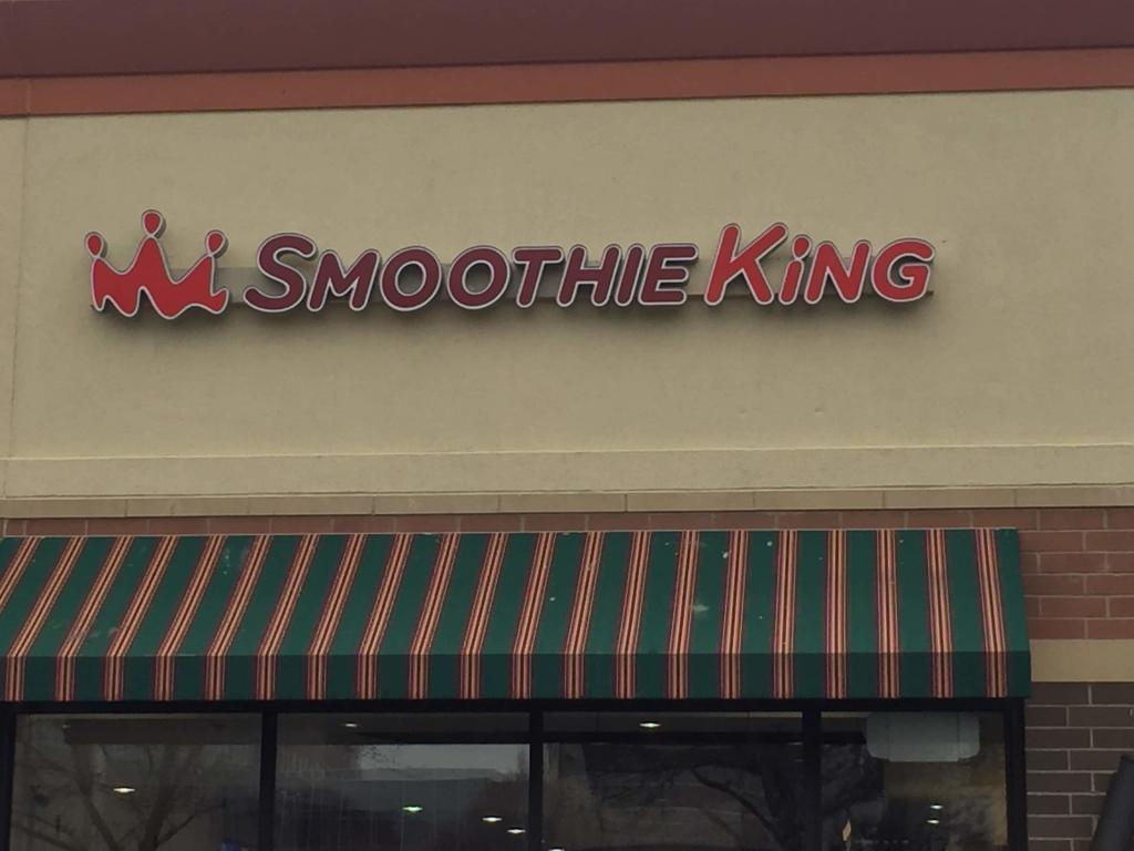 contact smoothie king